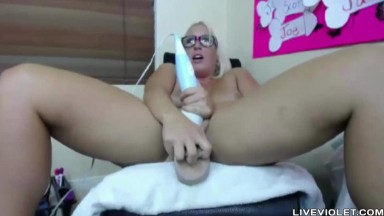 Amazing huge DD busty blonde Carley Taylor squirting her pussy
