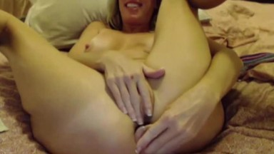 Hot queefing mature blonde queen Justy with meaty pussy