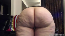 Bootyfull delicious BBW with a clapping phat huge butt