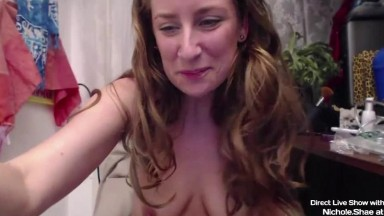 Natural amazon Nichole Shae with hairy armpits and bush