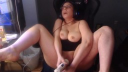 Real woman Lamia with sexy curves and big tits gets cum