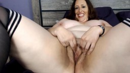 Talkative curvy MILF Carlene who can cum over and over