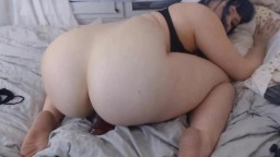 Playful kitty Mochi with a colossal ass getting an orgasm