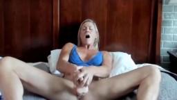 Kink athletic long legged mommy Stevie seducing a son