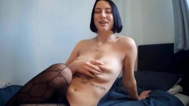 London dark haired exotic babe Zara rubbing cunt gets cum