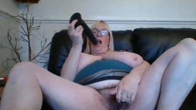 Dirty talking UK granny Jade has you coming back for more