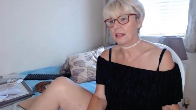 English Emily reveals all for you to admire and lust after